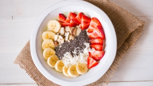 matcha_yogurt_breakfast_bowl_high_res_image_1920x1080